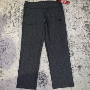 The North Face crops NWT